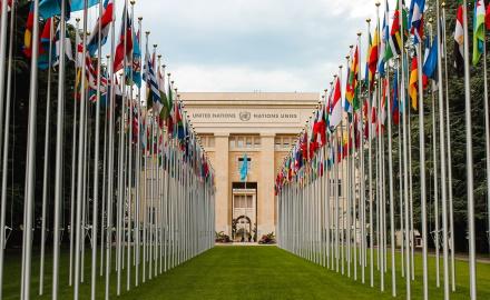 Ignoriert die Trittbrettfahrer: Neue Studie untersucht Kommunikationsdynamiken in Klimaverhandlungen