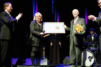 Schellnhuber receives renowned Volvo Environment Prize