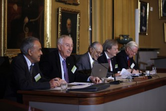 Nobel Laureates hand over recommendations to UN High-Level Panel on Global Sustainability