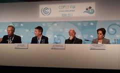 Photo Schellnhuber presents 10 Must-Knows on Climate at COP23
